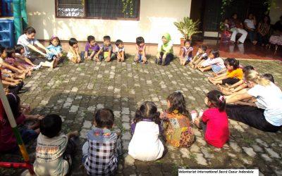 Claire, Blandine et Aude, volontaires en Indonésie
